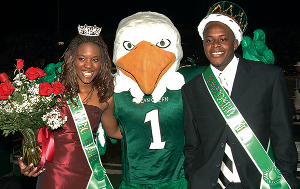 Otis Uduebor's crowning as UNT Homecoming King in 2005. (Photo by Mike Woodruff)