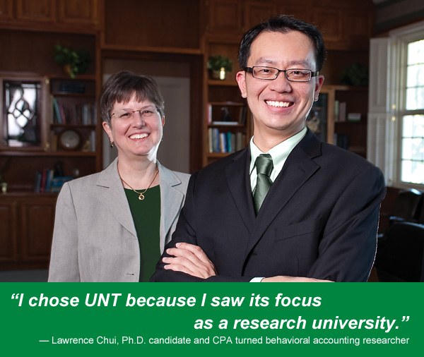 Lawrence Chui, a Ph.D. student in accounting, with mentor Mary Curtis, associate professor of accounting. (Photo by Gary Payne)