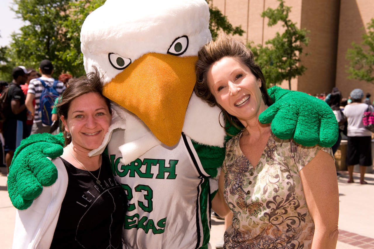 Scrappy and UNT fans