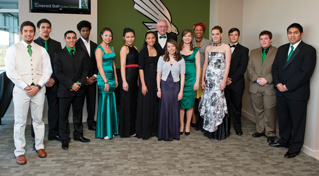 Emerald Eagle Scholars pose with President V. Lane Rawlins. (Photo by Gary Payne)