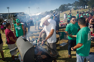 Tailgating on The Hill. (Photo by Gary Payne)