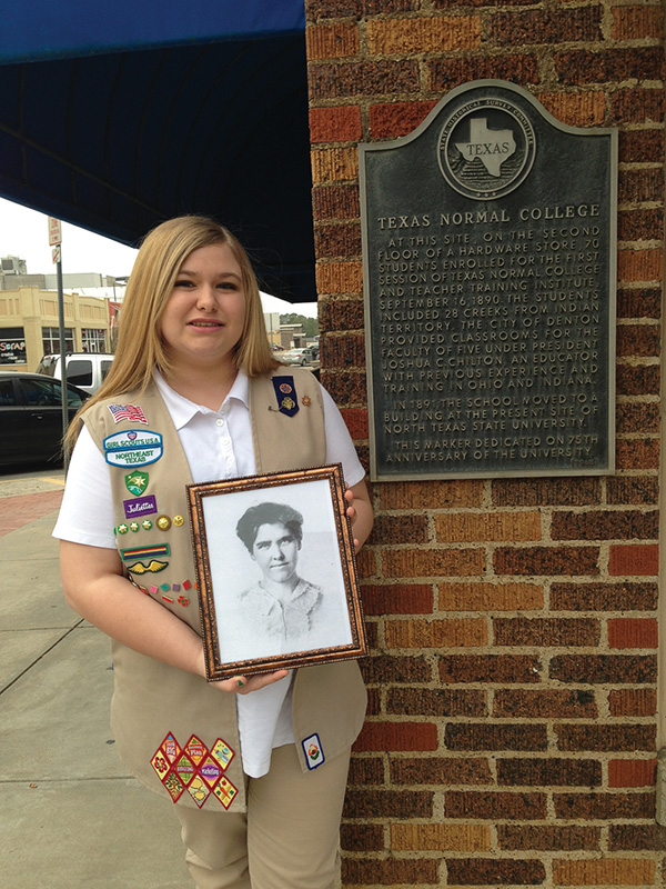 Girl Scout Elise Clements honors Miss Beulah Harriss founder of