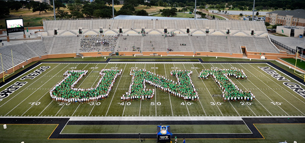 UNT Class of 2019 at Apogee Stadium. (Photo by Michael Clements)