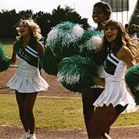 1982 Yucca - UNT cheerleaders