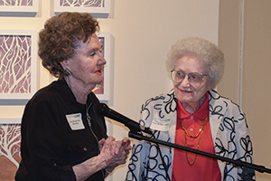 June Mandeville Barnebey ('48, '52 M.A.) and Joza Ruffner Dailey (Photo by Myungsup Kim)