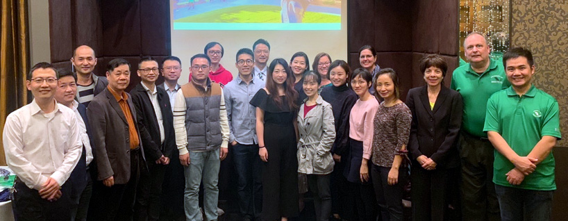 A delegation from UNTrecently visited with alumni in Shanghai
