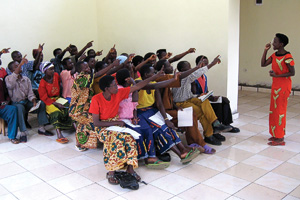 Community health workers train at the Village Health Works clinic in Kigutu, Burundi. The workers are a critical link between the patients and the clinic. (Courtesy of Village Health Works)