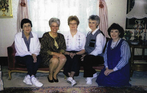 From left to right, Julia Edwards Wilson ('59), Phyllis Wright Tate ('59), Elaine Parker Boane('59),  Dianne Stroope Kelsch ('59) and Anita Rambo Dunlap ('59) at a bed and breakfast in Tyler in 1995.