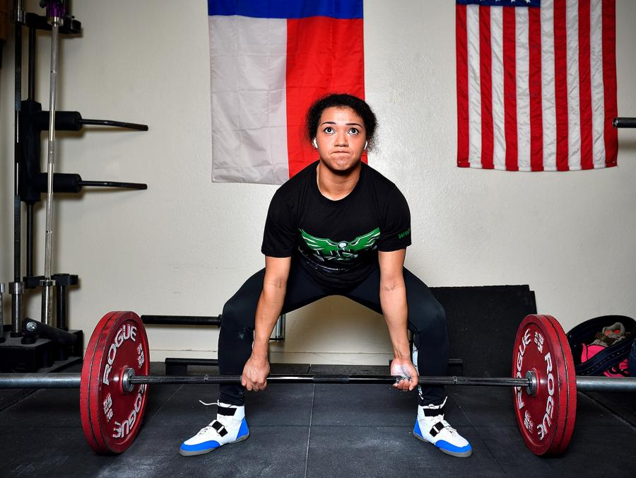 Laisha Gardner is a sophomore physics major at UNT and is part of the university's Powerlifting Club.