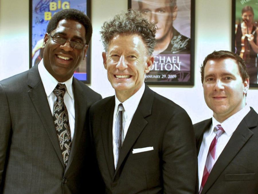 <p>Brad Leali, Lyle Lovett, Chad Willis standing</p>