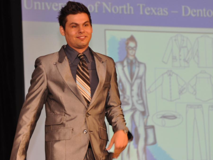 <p>Robbie Richard modeling suit</p>
