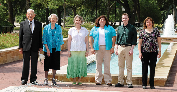 The Woodruff family, (left to right) W.B.Woodruff Jr., Mary Louise Woodruff ('52 M.A.), Leah Woodruff Hatfield ('77), Rebekah Jameson ('02), Bryan Hatfield ('07) and Nannette Woodruff Williams. (Photo by Mike Woodruff)